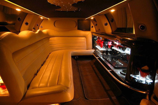 8 Person Lincoln Limo Service San Diego